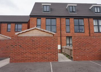 3 bed flat to rent in Sir Harry Secombe Court, Swansea SA1