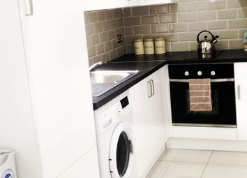 1 bed property to rent in Cromer Place, Leeds LS2