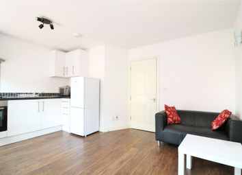 1 bed flat to rent in Queen Street, Maidenhead, Berkshire SL6