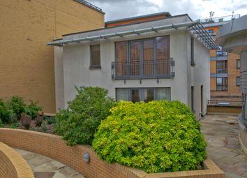 Homerton Street, Cambridge CB2. 2 bed flat for sale