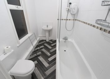 2 bed flat to rent in Sharrow Vale Road, Sheffield S11