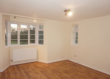 3 bed flat to rent in Breamore Court, Breamore Road, Goodmayes IG3