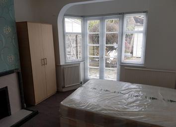 Room to rent in Waycley Crescent, Barnet EN5