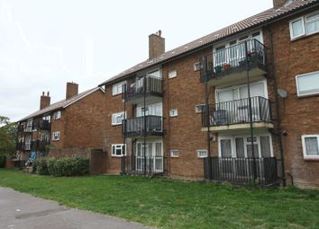 Thumbnail 2 bed flat to rent in Longlands, Hemel Hempstead Industrial Estate, Hemel Hempstead