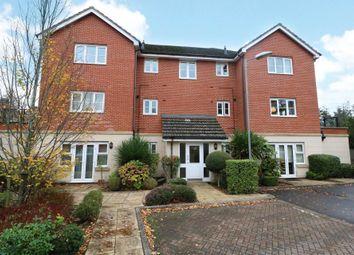 2 bed flat for sale in Waterloo Road, Crowthorne, Berkshire RG45