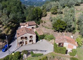 Thumbnail 8 bed country house for sale in Piazzano, Lucca (Town), Lucca, Tuscany, Italy