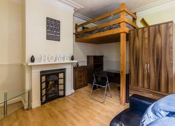 Thumbnail 1 bed property to rent in Flat 4, 227 Hyde Park Road, Hyde Park
