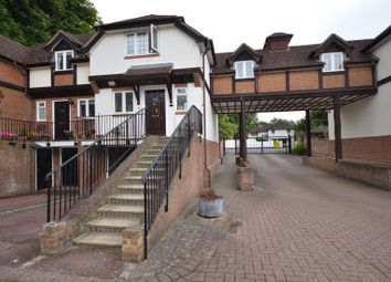 Thumbnail 3 bedroom town house to rent in Lower Cookham Road, Maidenhead