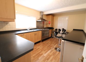 Thumbnail 5 bed terraced house to rent in Aspley Road, Bedford