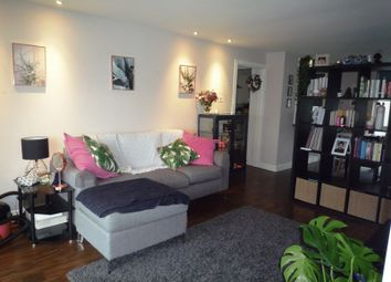 Thumbnail 2 bed flat to rent in Sea Point, Barry