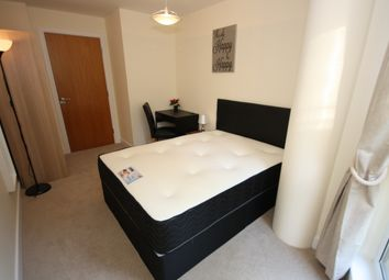 Thumbnail Room to rent in Hutchings Street, Canary Wharf, London E14.,