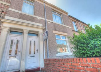 Thumbnail 2 bed flat to rent in Shipcote Terrace, Gateshead