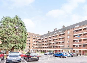 Thumbnail 1 bed flat to rent in Meadow Road, Oval