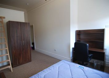 Thumbnail 8 bed flat to rent in Triangle South, Clifton, Bristol