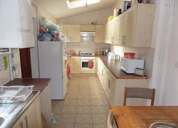 6 bed shared accommodation to rent in Teversal Avenue, Nottingham NG7