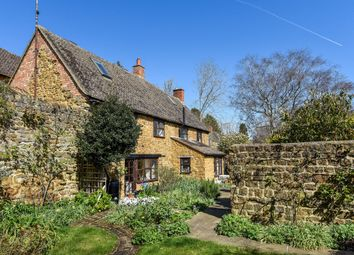 Thumbnail 3 bed cottage to rent in Chapel Street, Bloxham, Banbury
