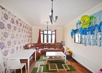 Thumbnail 3 bed town house to rent in Aluric Close, Grays