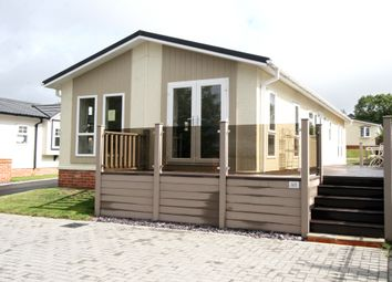 Thumbnail 2 bed mobile/park home for sale in Ashford Road, Charing