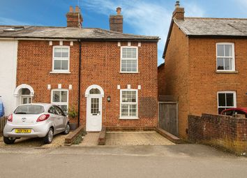 Cannon Court Road, Maidenhead, Berkshire SL6. 2 bed end terrace house