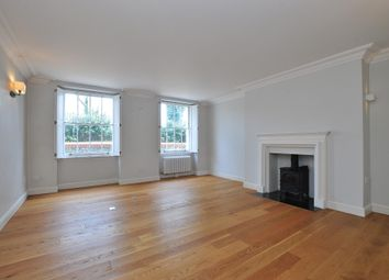 3 bed flat to rent in Highbury Crescent, Islington, London N5