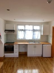Thumbnail 1 bedroom flat to rent in 148 Rosebery Avenue, London