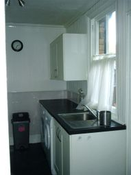Thumbnail 2 bed terraced house to rent in Wood Street, Newark