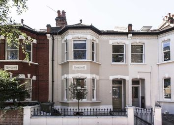 Thumbnail 4 bed property to rent in Silver Crescent, London