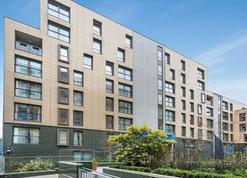 Thumbnail 1 bed flat to rent in Oak Square, London