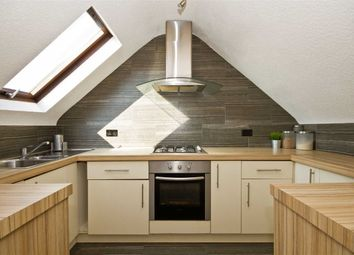 Thumbnail 3 bedroom flat to rent in Marchwood Crescent, London