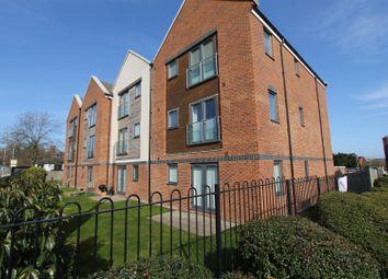 2 bed flat to rent in Green View, Leverstock Green, Hemel Hempstead HP2