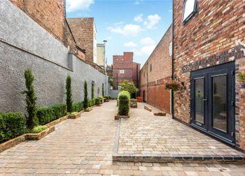 Albion Street, Cheltenham, Gloucestershire GL52. 1 bed flat for sale