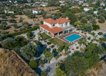 Lapta, Sehit, Kyrenia (City), Kyrenia, Cyprus. 4 bed villa for sale