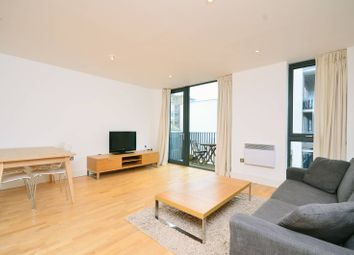 Thumbnail 3 bed flat to rent in City Walk, Bermondsey