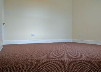 Thumbnail 2 bed flat to rent in Trafford Road, Thornton Heath