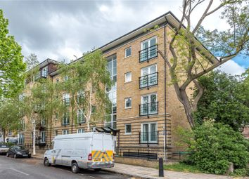 2 bed flat to rent in Clephane Road, Canonbury, Islington N1