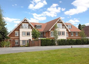 Penn Road, Knotty Green, Beaconsfield HP9. 2 bed flat for sale