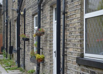 Thumbnail 2 bed flat to rent in Lydgate, Northowram, Halifax