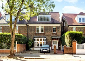 Thumbnail 1 bed flat to rent in The Avenue, London