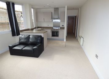 Thumbnail 1 bed flat to rent in Windsor Road, Slough
