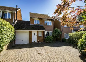 Bensgrove Close, Woodcote, Reading RG8. 3 bed link-detached house