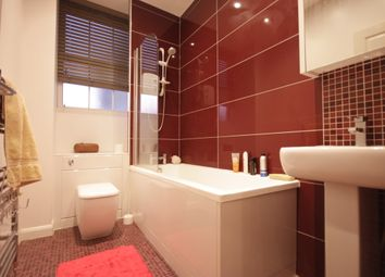 Thumbnail 3 bed flat to rent in Tooley Street, Tower Bridge, London