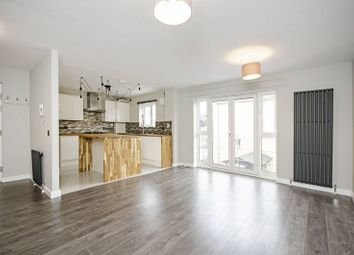 Thumbnail 1 bed flat to rent in Garden Place, Haggerston
