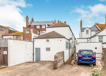 Thumbnail 2 bedroom flat to rent in High Street, Littlehampton