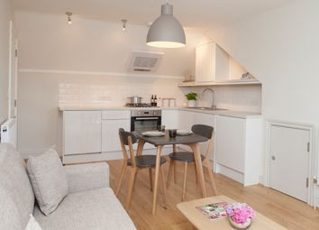 Thumbnail 1 bed flat to rent in Wandsworth Bridge Road, Fulham