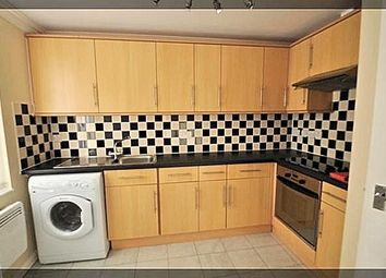Thumbnail 2 bed flat to rent in Penshurst Avenue, Hessle, Hull