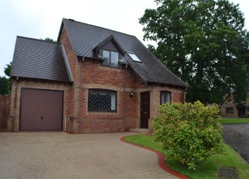 Thumbnail 3 bed detached house for sale in Saunders Garden, Tadley