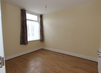 Thumbnail 3 bed flat to rent in Fanshawe Avenue, Barking Essex