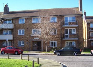Thumbnail 3 bed flat to rent in South Street, Southsea