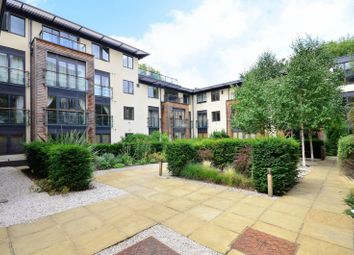Thumbnail 2 bed flat to rent in Houghton Square, Clapham North
