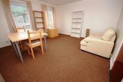 2 bed flat to rent in Viewcraig Gardens, Edinburgh EH8